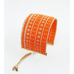 Bracelet Manchette Orange corail et Or mat seul OPEN TO THE BEAUTIFUL Bijoux de créateur Artisan d'Art Paris