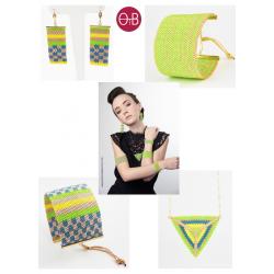 Bracelet Mini Vert Acapulco et Or situation2 OPEN TO THE BEAUTIFUL Bijoux de créateur Artisan d'Art Paris