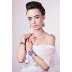 Bracelet Manchette Violet et Argent mat situation OPEN TO THE BEAUTIFUL Bijoux de créateur Artisan d'Art Paris