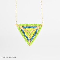 Collier ras-du-cou Triangle Vert Acapulco et Or seul OPEN TO THE BEAUTIFUL Bijoux de créateur Artisan d'Art Paris