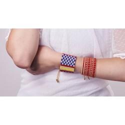 Bracelet Manchette Bleu, Rouge, Jaune et Or mat porté4 OPEN TO THE BEAUTIFUL Bijoux de créateur Artisan d'Art Paris