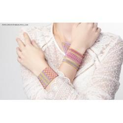 Bracelet Manchette Jaipur Polo Or 24 carats porté3 OPEN TO THE BEAUTIFUL Bijoux de créateur Artisan d'Art Paris