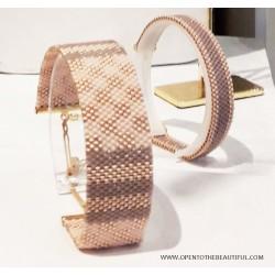 Bracelet Mini Nude taupe et Or situation OPEN TO THE BEAUTIFUL Bijoux de créateur Artisan d'Art Paris