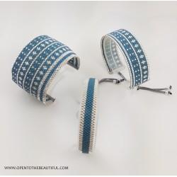 Bracelet Fin Bleu canard Argent situation OPEN TO THE BEAUTIFUL Bijoux de créateur Artisan d'Art Paris