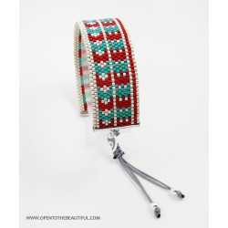 Bracelet Rouge pur, Vert tendre et Argent mat seul OPEN TO THE BEAUTIFUL Bijoux de créateur Artisan d'Art Paris