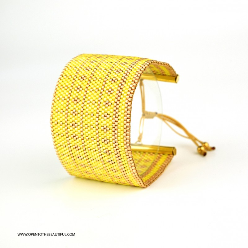 Bracelet Manchette Jaune et Or seul OPEN TO THE BEAUTIFUL Bijoux de créateur Artisan d'Art Paris
